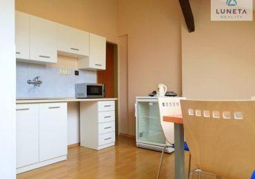 Pronájem bytu 2+kk půdní vestavba, centrum Olomouc